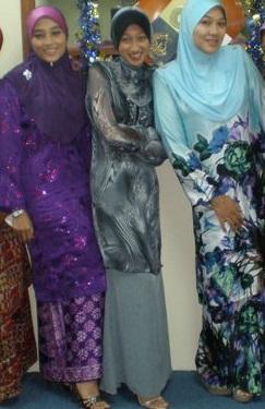 traditional baju kurung